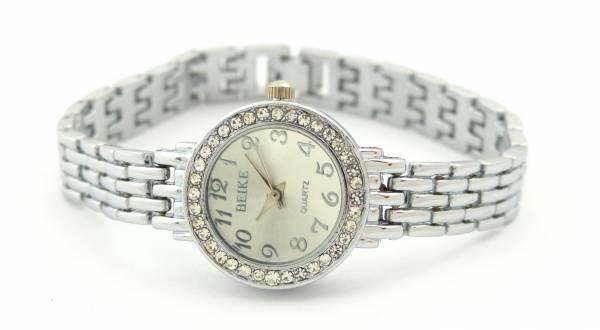 Damen-Uhr silber Frauen Armband-Uhren Markenuhr Klassische Designer Uhr silver Watch